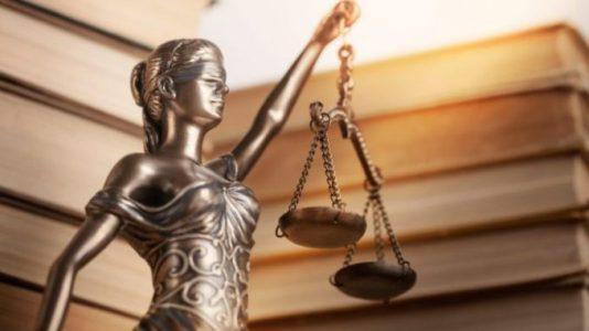 Bitfinex нанимает юридическую фирму для борьбы с ложными обвинениями