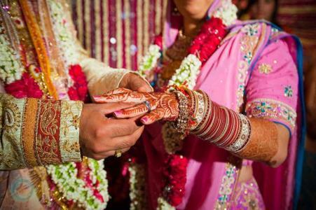 В Индии молодожены попросили биткоины в качестве свадебных подарков