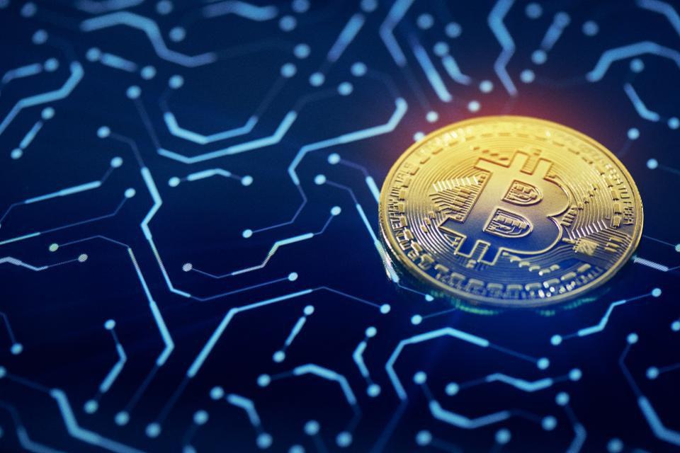 Цена биткоина остаётся на уровне $10 000, аналитики предупреждают о повторении дампа 2018 года