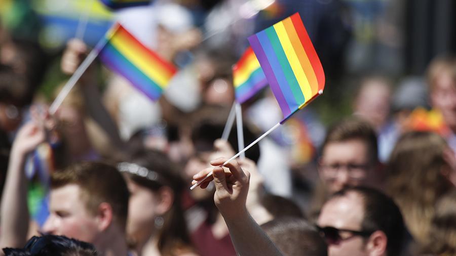 В деле о доведении москвича до гомосексуализма корпорацией Apple поставлена точка