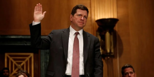 Председатель SEC говорил о блокчейне, стейблкоинах и Libra перед Банковским комитетом Сената