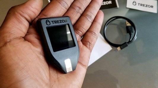 Обновление Trezor устранит уязвимость Segwit-транзакций