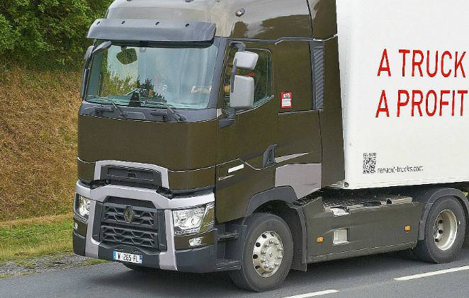 Renault Trucks are probleme in Romania si lanseaza noua gama de camioane 2014 Euro 6