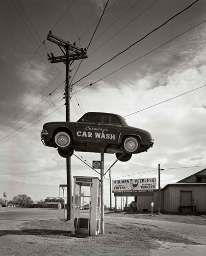 """""""Car Wash, Nixon, TX, 1975"""", 22""""x28"""" archival pigment print by Frank Armstrong (courtesy of the artist and Panopticon Gallery)"""