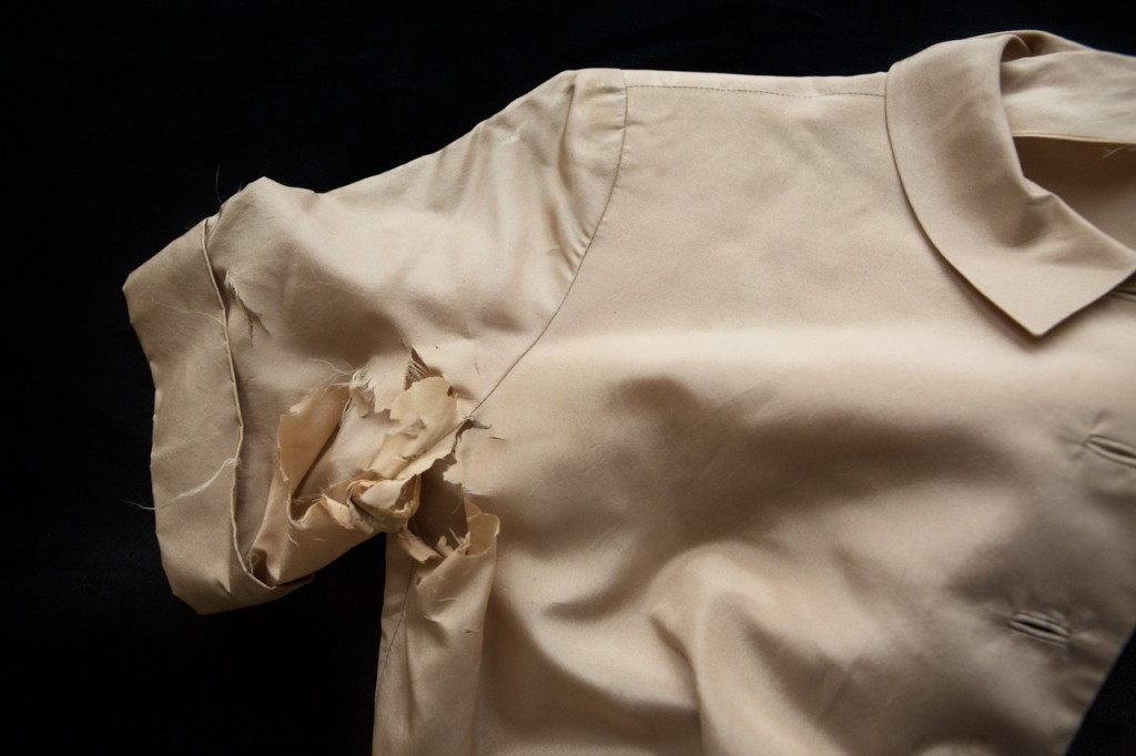 """""""Silk Blouse, 2015"""" pigment print by Gail Samuelson, from the 2015 New England Photography Biennial, Danforth Art (courtesy of the artist and 555 Gallery, Boston)"""