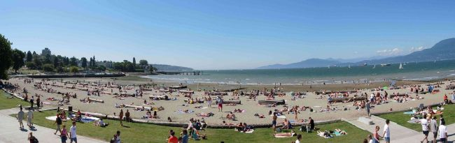 Fish-eye_view_of_Kitsilano_Beach