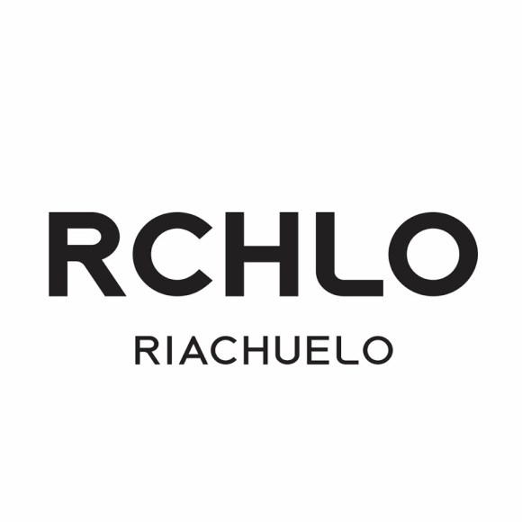 One of the biggest retail and manufacturing fashion company in Brazil - http://www.riachuelo.com.br