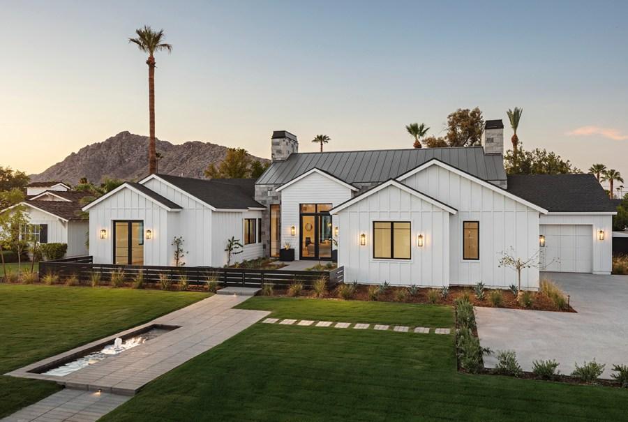 modern-farmhouse-design-front-elevation