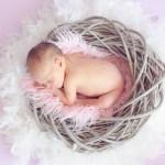 赤ちゃんが鼻づまりで母乳が飲めないときの対処法と母乳を垂らすと良い噂の真相とは