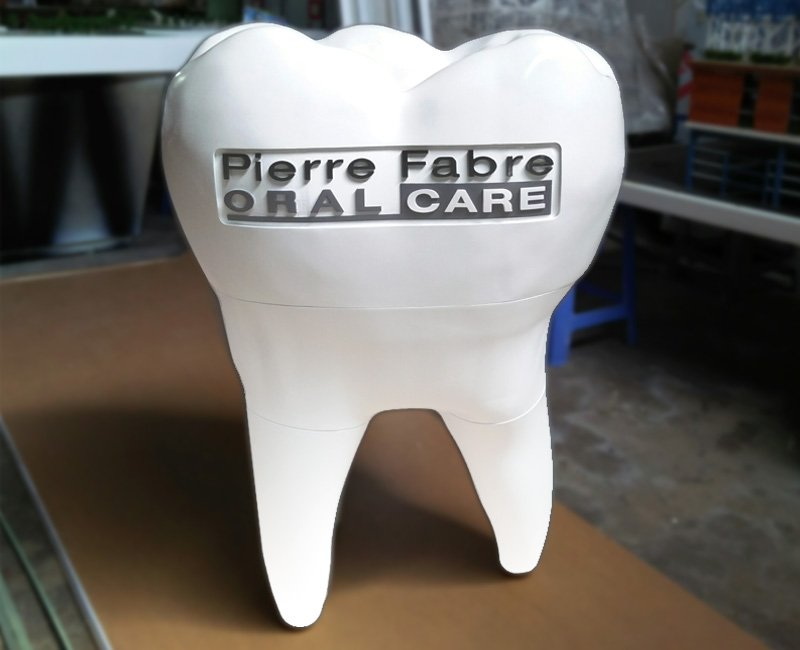 Picture, 3D printed tooth, realistic branding, smart medical design. Oral care logo