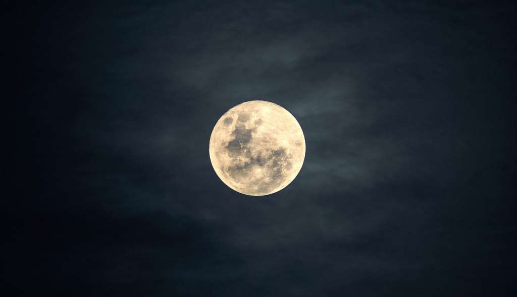 Get ready to gaze on the first of two full moons slated for october; Rare blue moon to appear in night sky on Halloween - Boston News, Weather, Sports | WHDH 7News