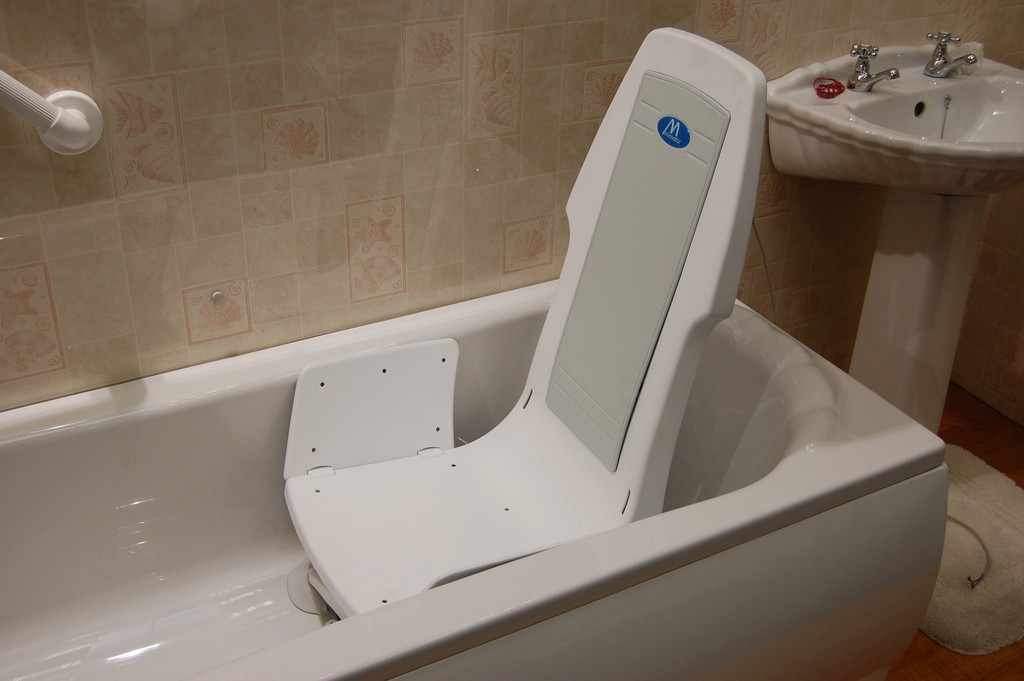 Wheelchair Bathtubs For Disabled Bath Chairs For