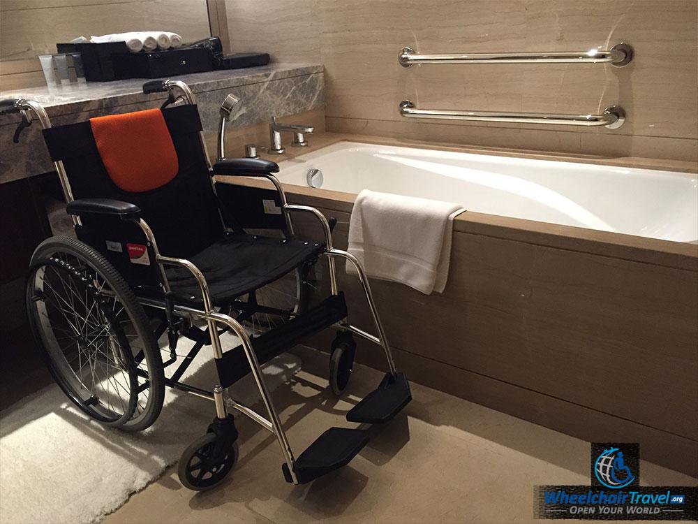 JW Marriott Beijing Hotel Room Wheelchair Accessible Bathroom ...