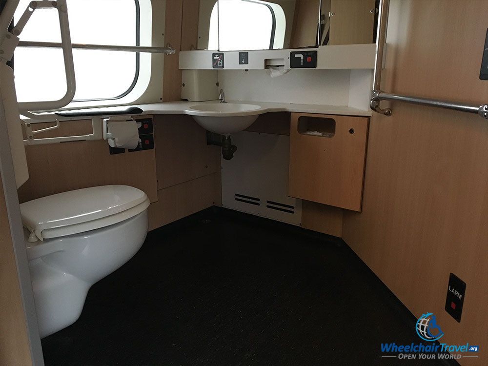 Wheelchair accessible bathroom on SJ train.