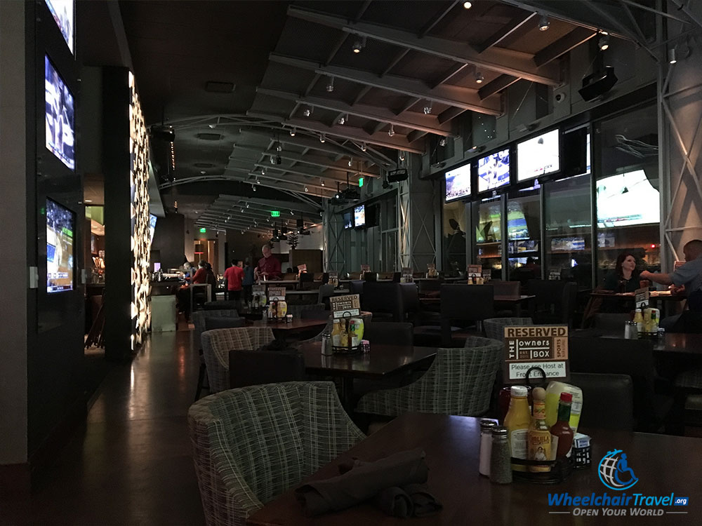 Owners Box restaurant and sports bar