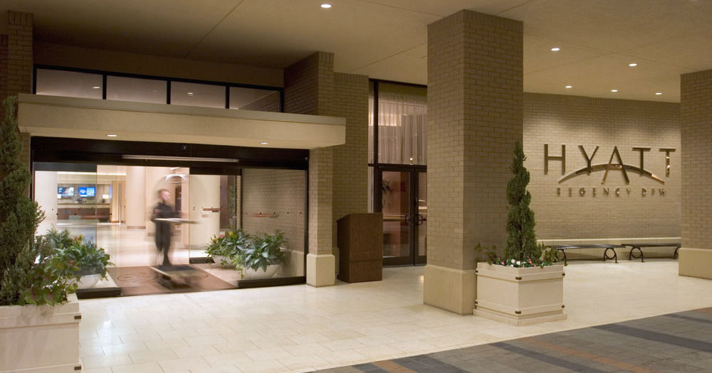 review hyatt regency dfw airport hotel. Black Bedroom Furniture Sets. Home Design Ideas