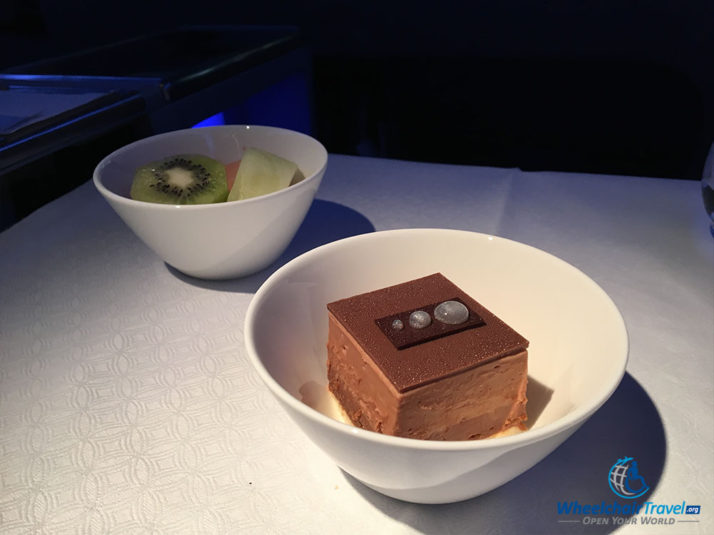 Dessert in Qatar Airways business class