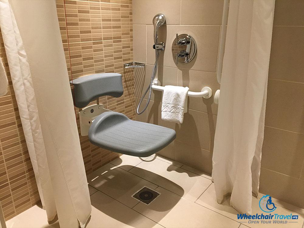 Review: Renaissance London Heathrow Hotel - WheelchairTravel.org