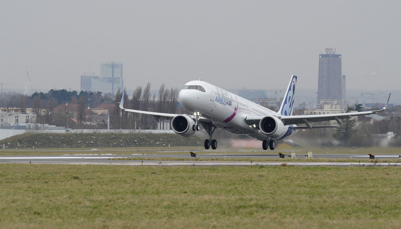 Airbus A321LR aircraft landing in New York.