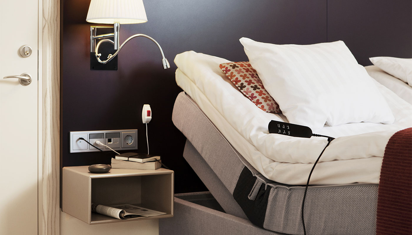 Handicap accessible profiling bed at Scandic Hotels.