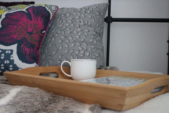 5 Tips on how to style a daybed