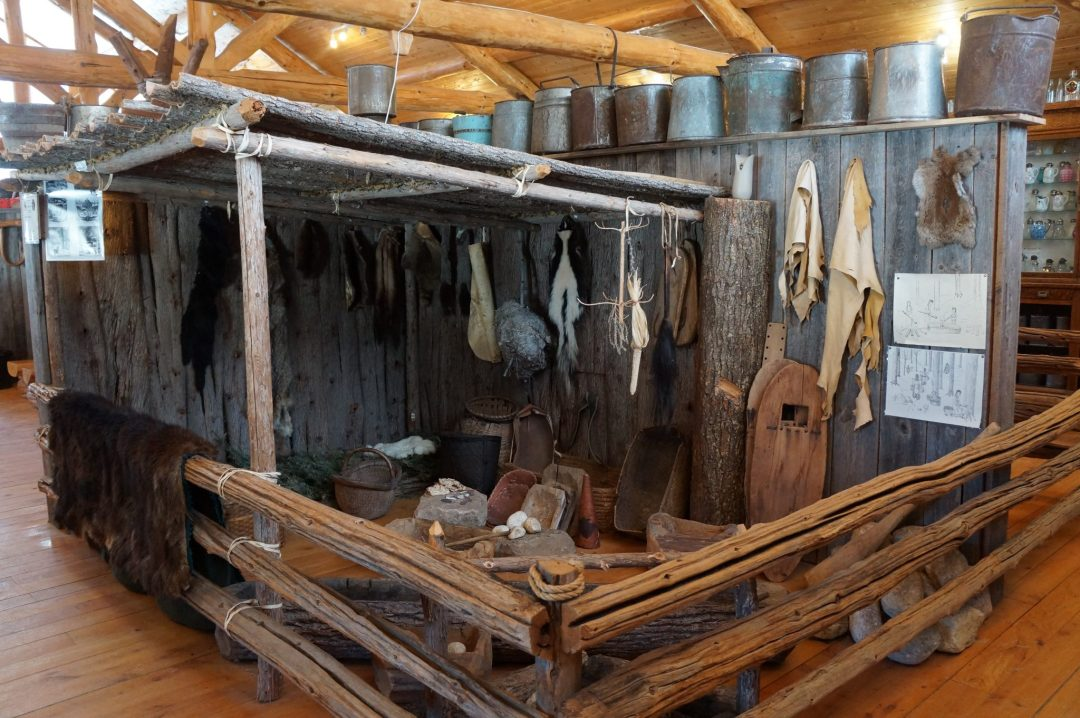 native-american-display-maple-heritage-museum