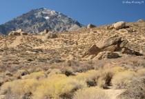 Vistas of mountains & boulders