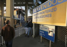 Walking across the border into Los Algodones
