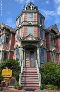 Beautiful Ann Starrett House (1889)