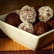 Tasty RV Eats -> Decadent Chocolate LÄRAballs