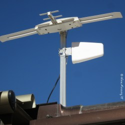 Our paddle antenna, in use earlier this spring