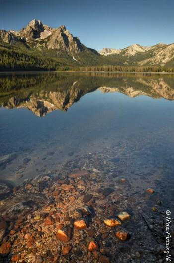 Rocks light up on Stanley Lake