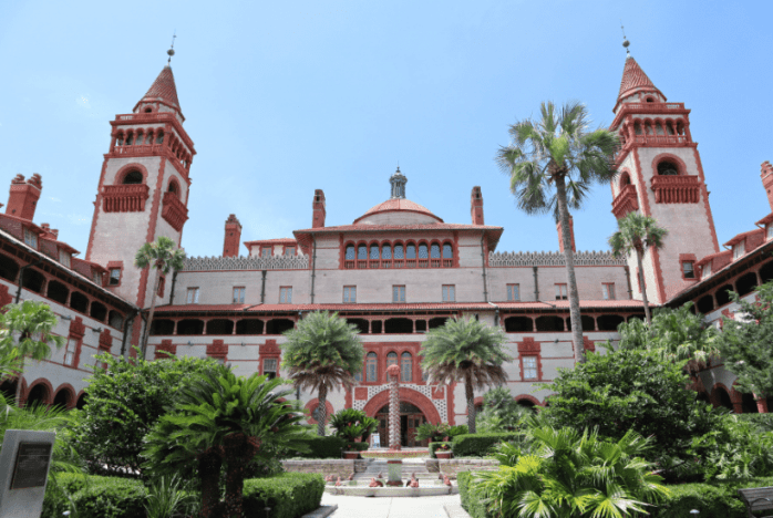 flagler college courtyard