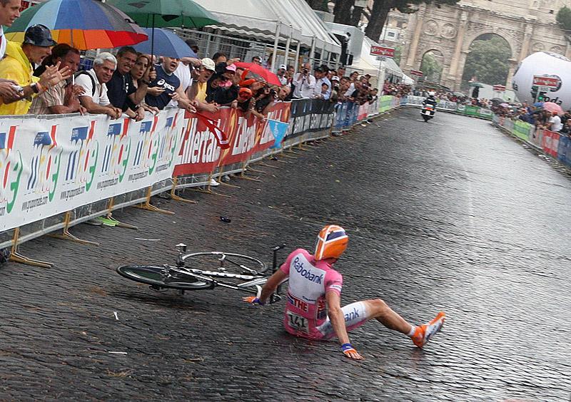 Menchov testing his butt against the cobblestones