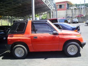 Geo Tracker - Red - Fiberglass top