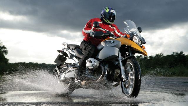 wet-weather-motorycle-setup1