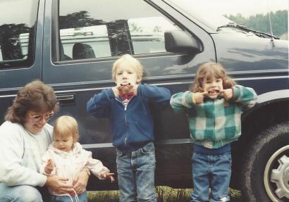 Amanda, Caitlin, Jon, Mom-3 yr-June 91