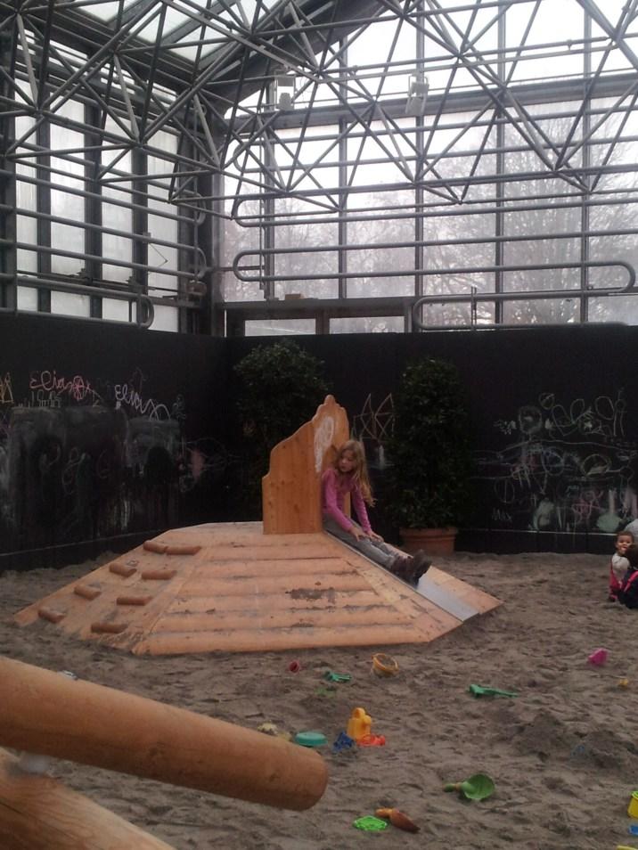 Hallenspielplatz