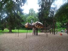 Spinnenspielplatz