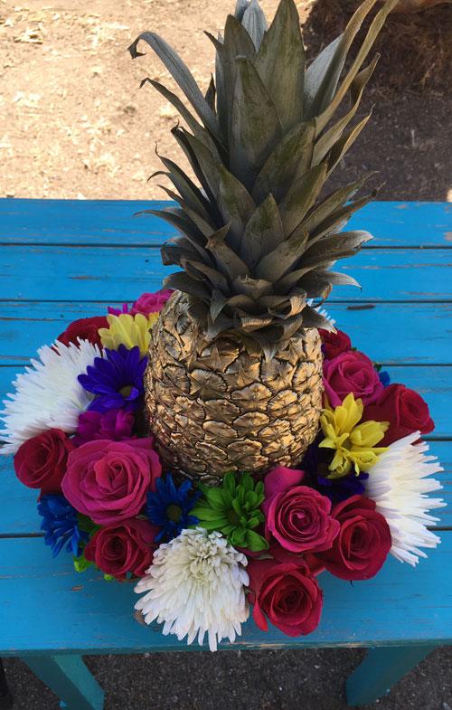 golden-pineapple-hero