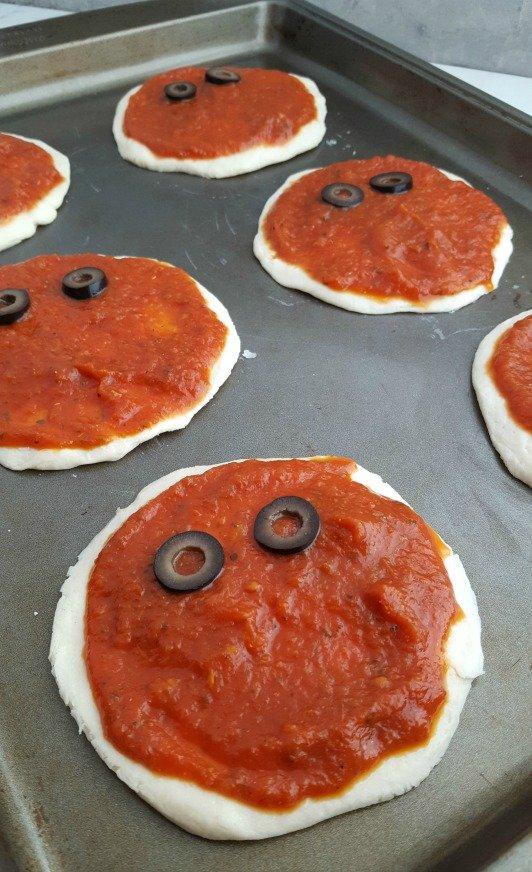 Halloween Mini Mummy Pizzas