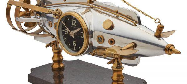 Nautilus_Desk_Clock_Quarter_sq (1)