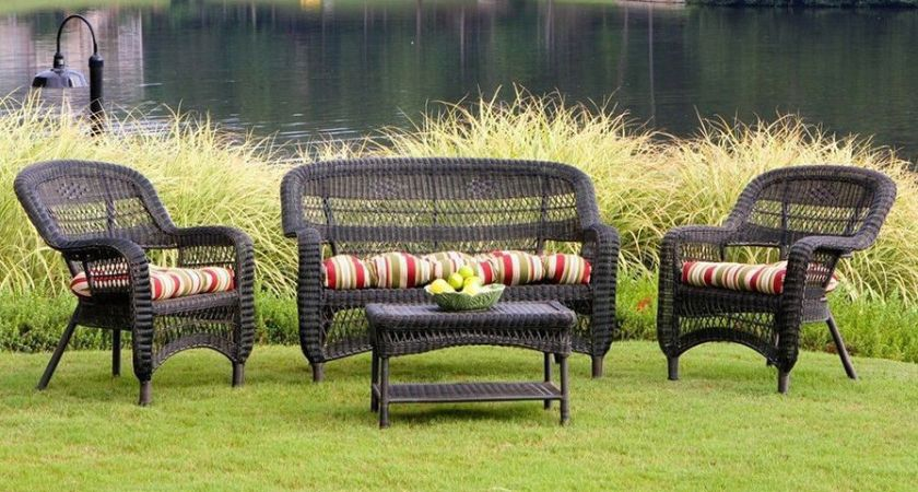 A Guide to Buying Wicker Furniture