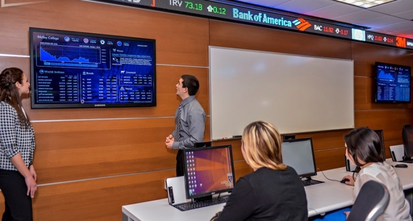 How Are Digital Signage Displays Used in Schools and Colleges? Find Out Here!