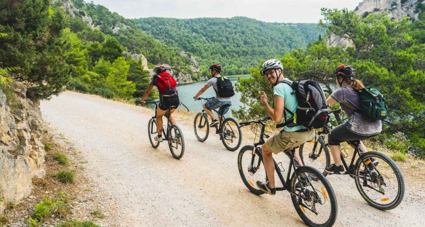 3 Safety Tips For Running Or Biking Along The Road