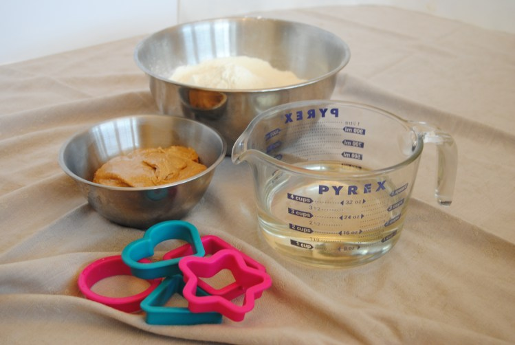 ingredients for an after school snack - nutty putty