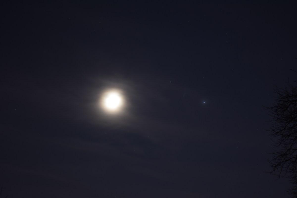 Jupiter, Saturn, Moon, November 19, 2020