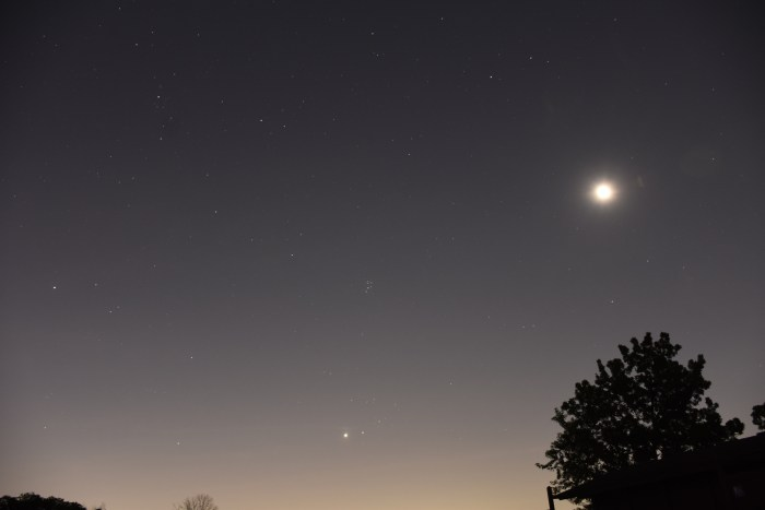 2020, July 14: The moon (overexposed) approaches the Pleiades star cluster and Aldebaran.