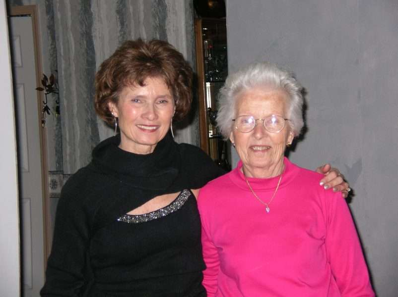 Photo of Elaine Pereira and Her Mom