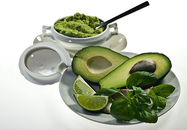 Easy diabetic recipes low carb include guacamole.